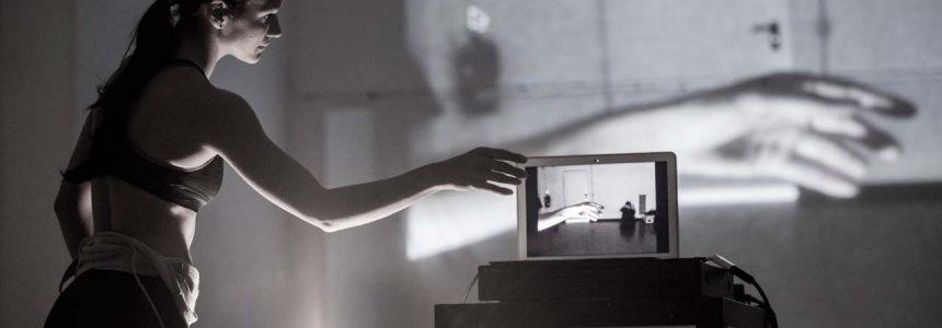 HOME ALONE: l'esperienza della danzatrice Valentina Pierini con il Teatro Ragazzi