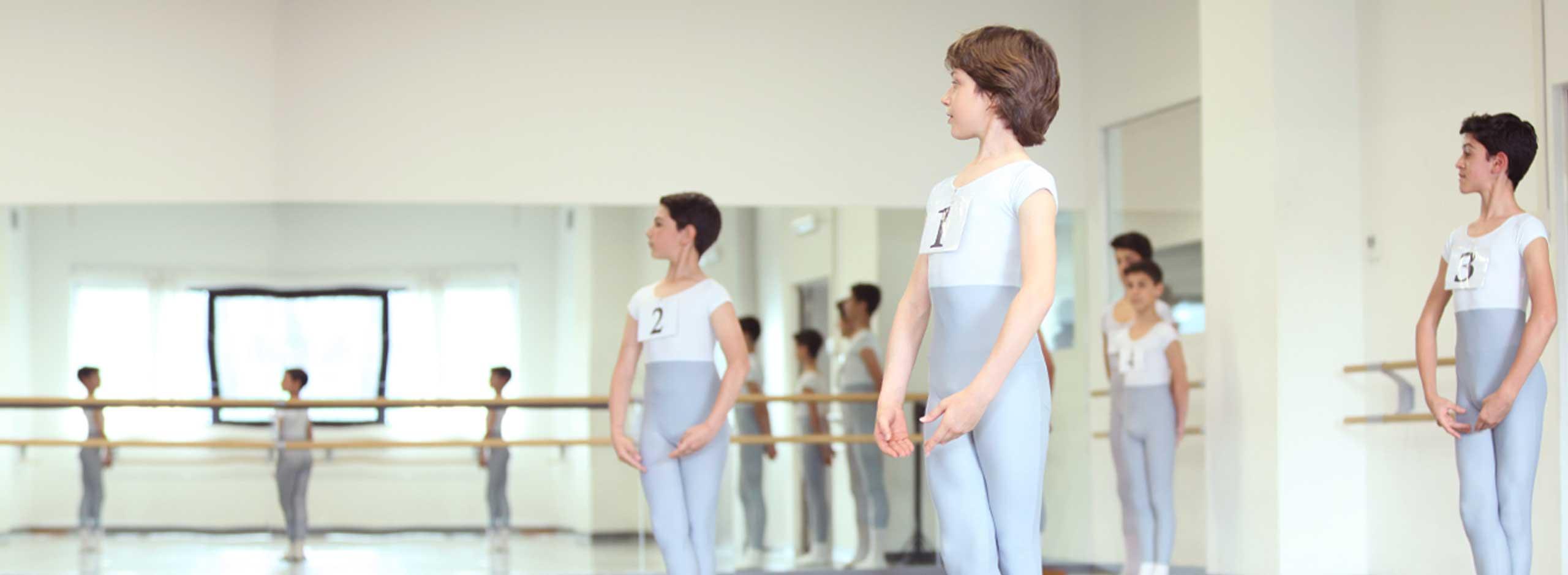 borse-di-studio-uomini-scuola-danza-balletto-di-roma-slide