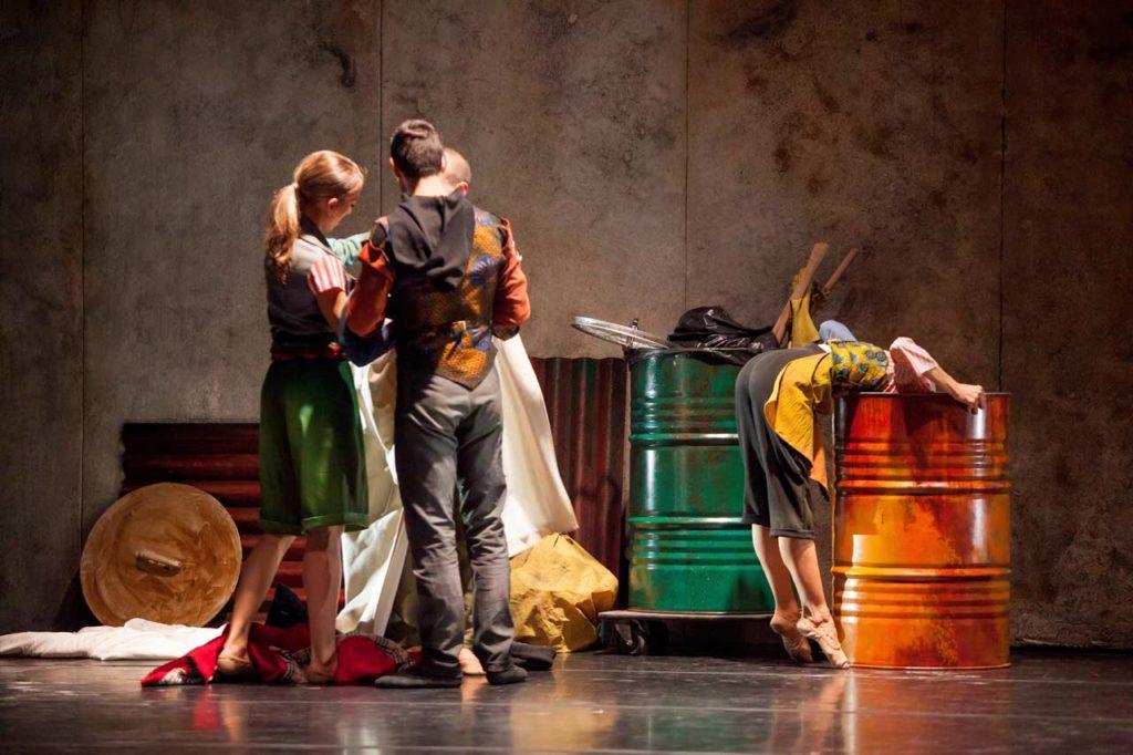 Lo Schiaccianoci a Roma | Teatro Quirino 2019 - Riuso della plastica