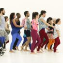 """Due danzatori del Balletto di Roma nel """"Gala"""" di Jérôme Bel"""